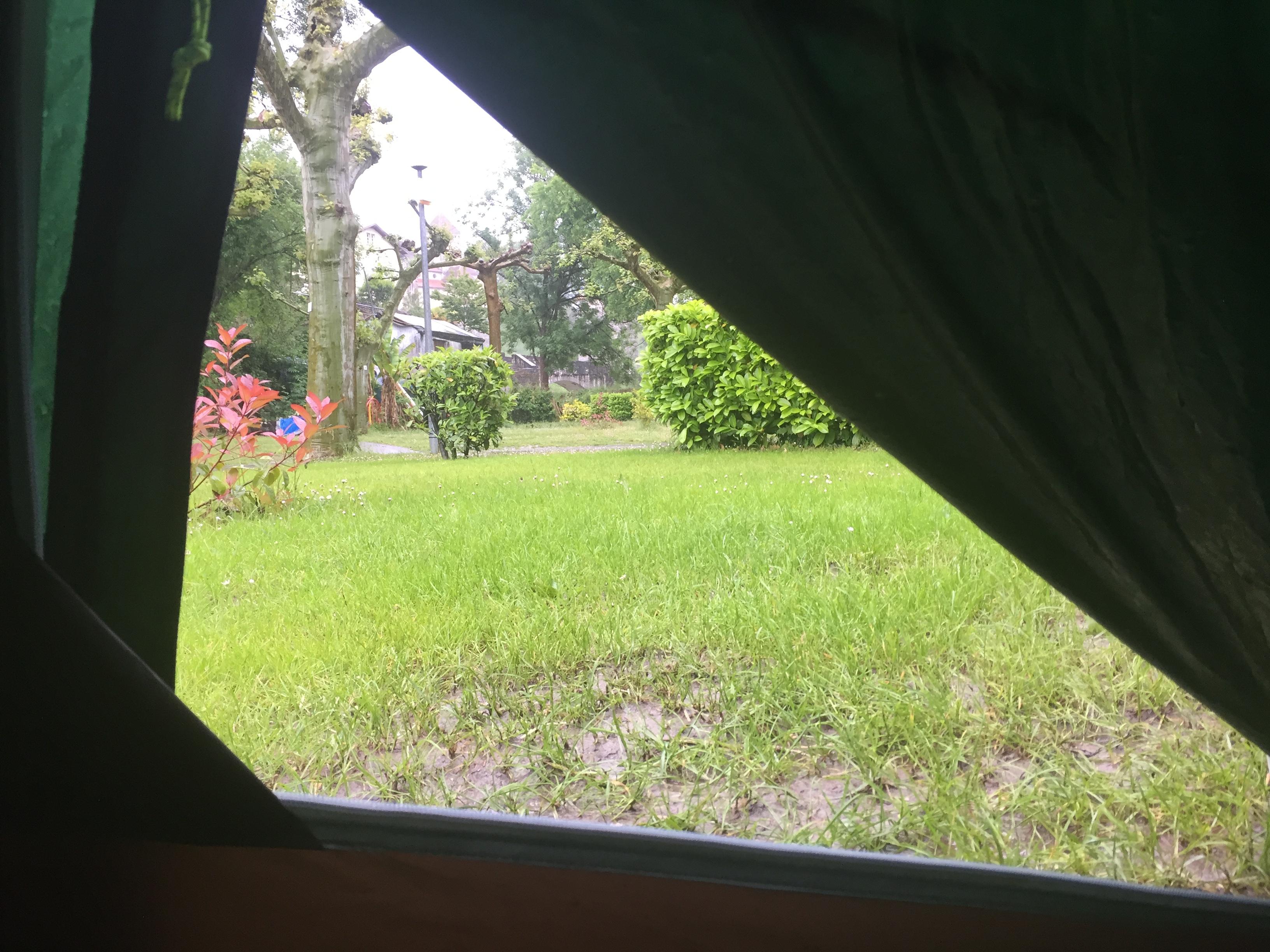Pfütze vor meinem Zelt