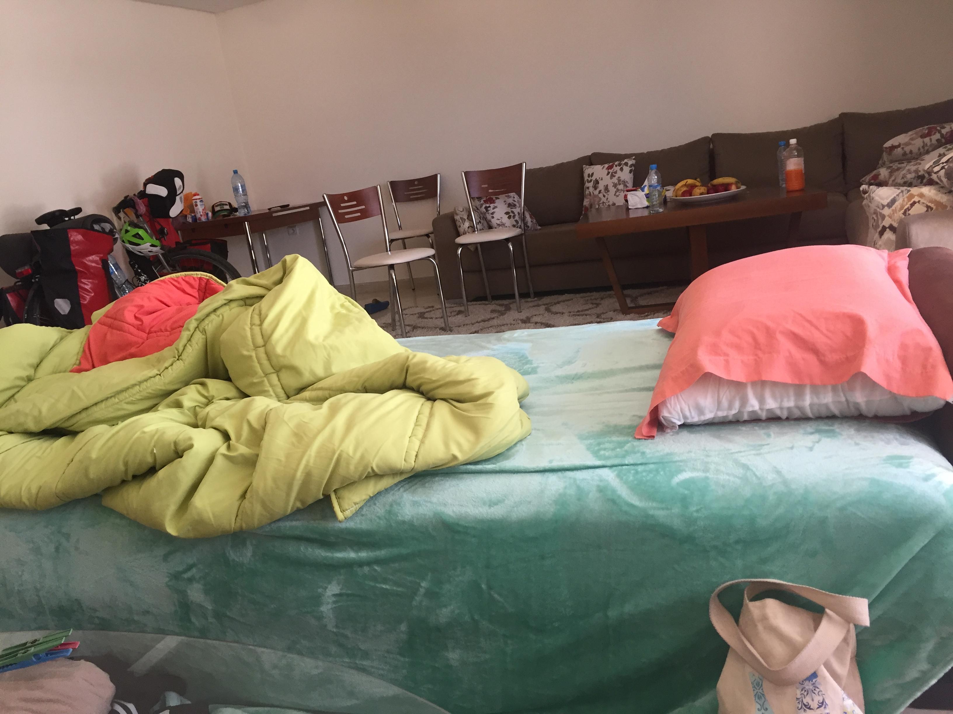 mein Schlafplatz im Wohnzimmer
